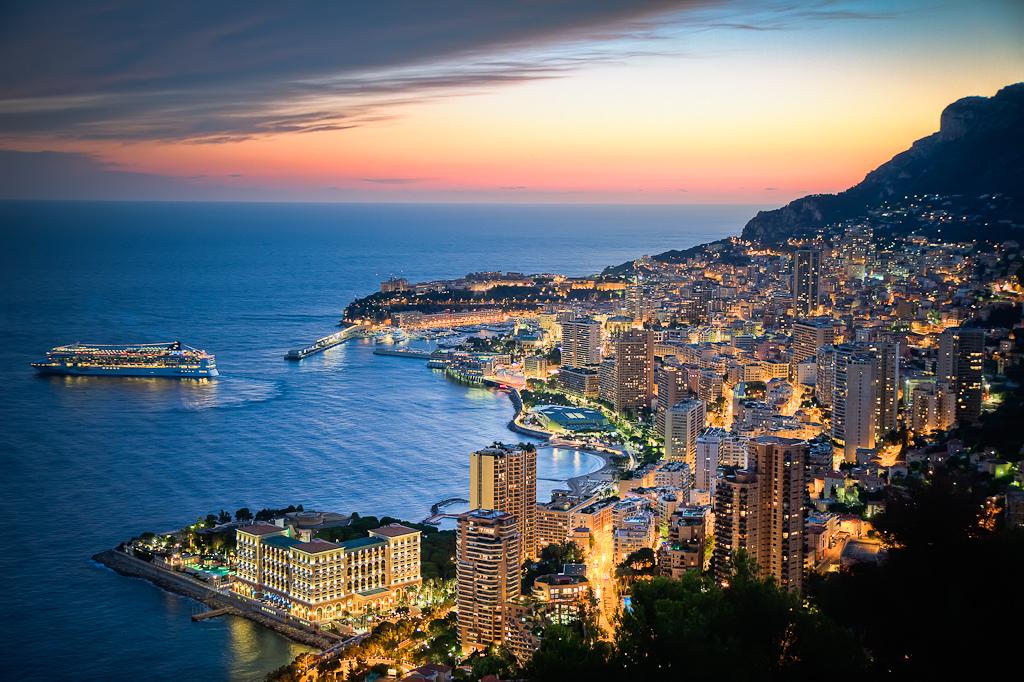 Монако – старинное княжество, один из центров европейского туризма
