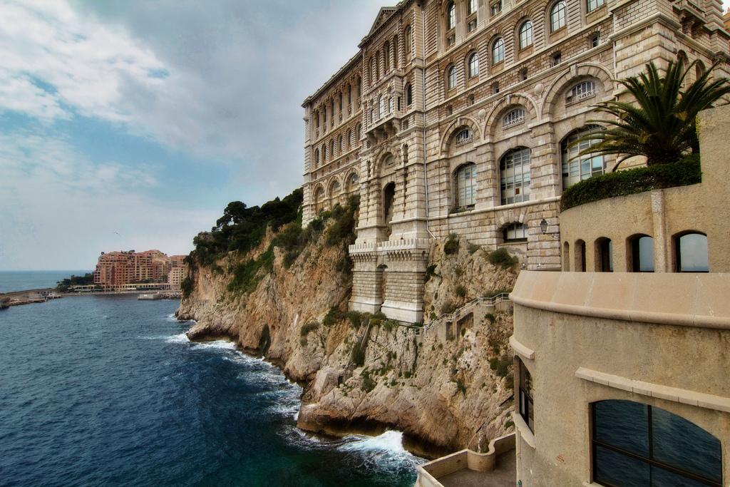Монако – карликовое княжество на Лазурном Берегу